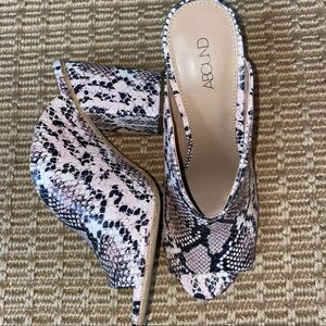 ABOUND    faux snakeskin mule sandals size 7